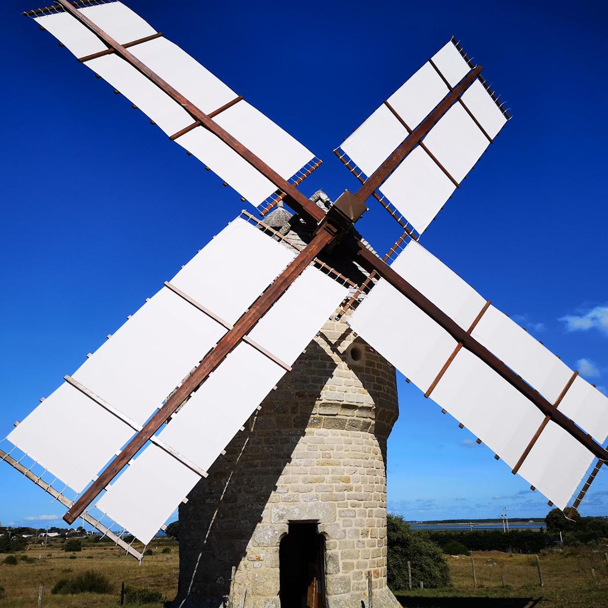 moulin-de-la-falaise-16225-16236