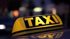 Mit dem Taxi