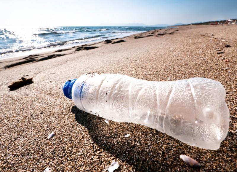 bouteille-en-plastique-sable-351