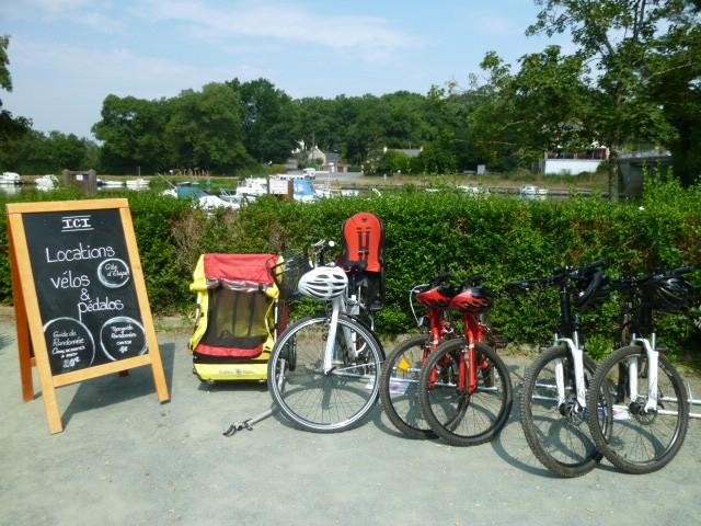 01 - Location de vélos - halte nautique à Guenrouet - Canal de Nantes à Brest
