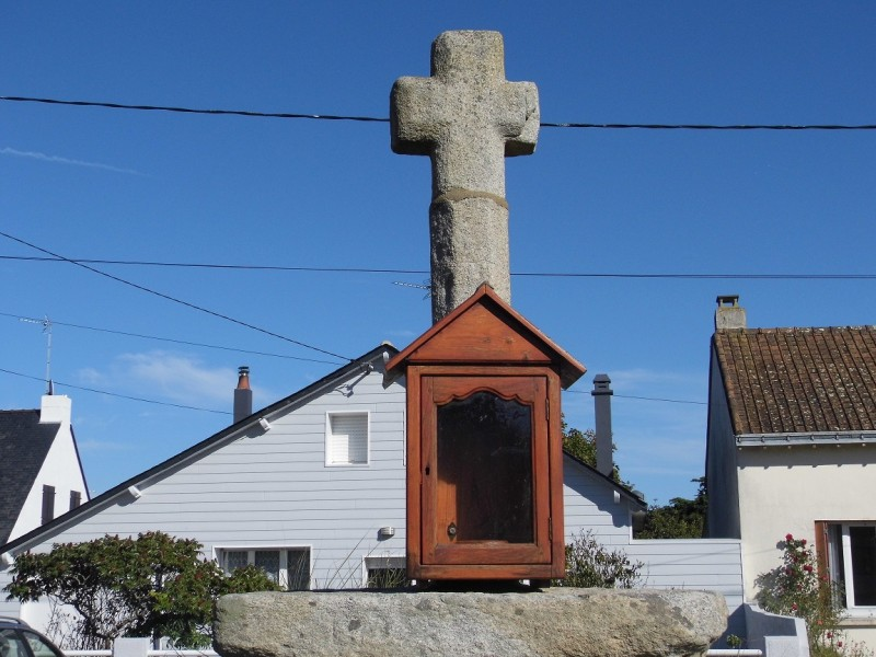 Kermoisan Cross