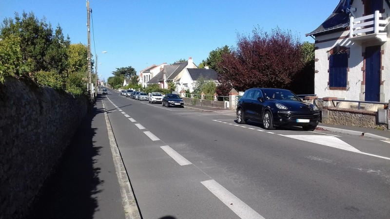 Parkplatz - Rue des Etaux