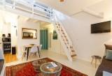 11la-piece-de-vie-l-escalier-de-la-chambre-lc-1334872